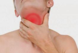 4 Cara Praktis Mengatasi Radang Tenggorokan