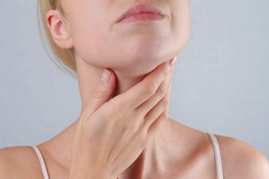 viêm họng mạn tính